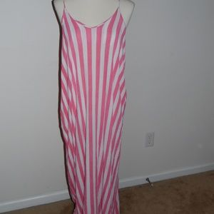 Pink & White Maxi with Pockets!!!